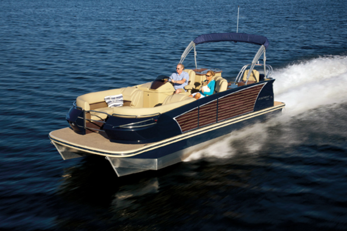 Under Kuelbelbeck's leadership, Larson developed its new Escape line of pontoon boats in 21-, 23- and 25-foot models.