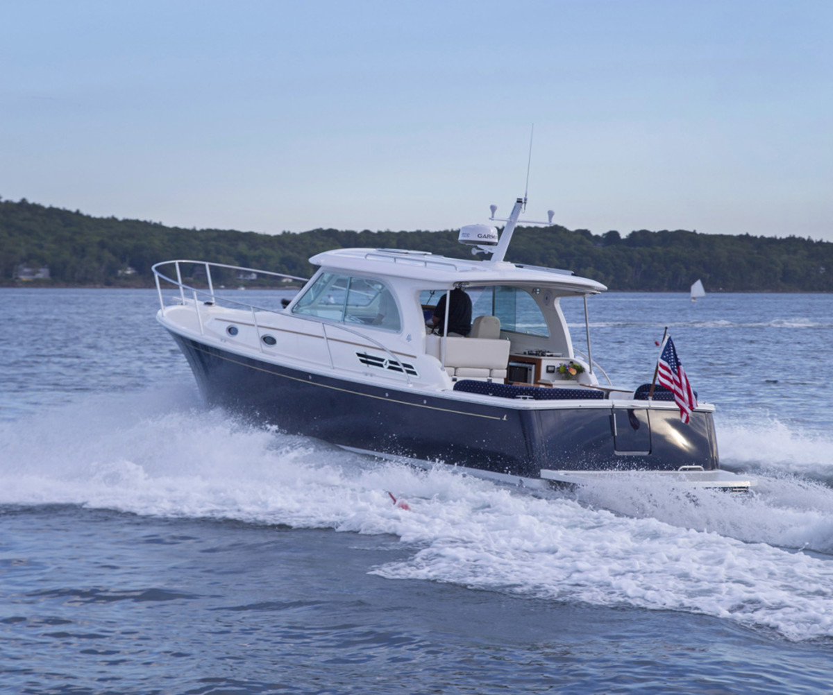 The new Back Cove 32 won for Best Powerboat Under 35 Feet.