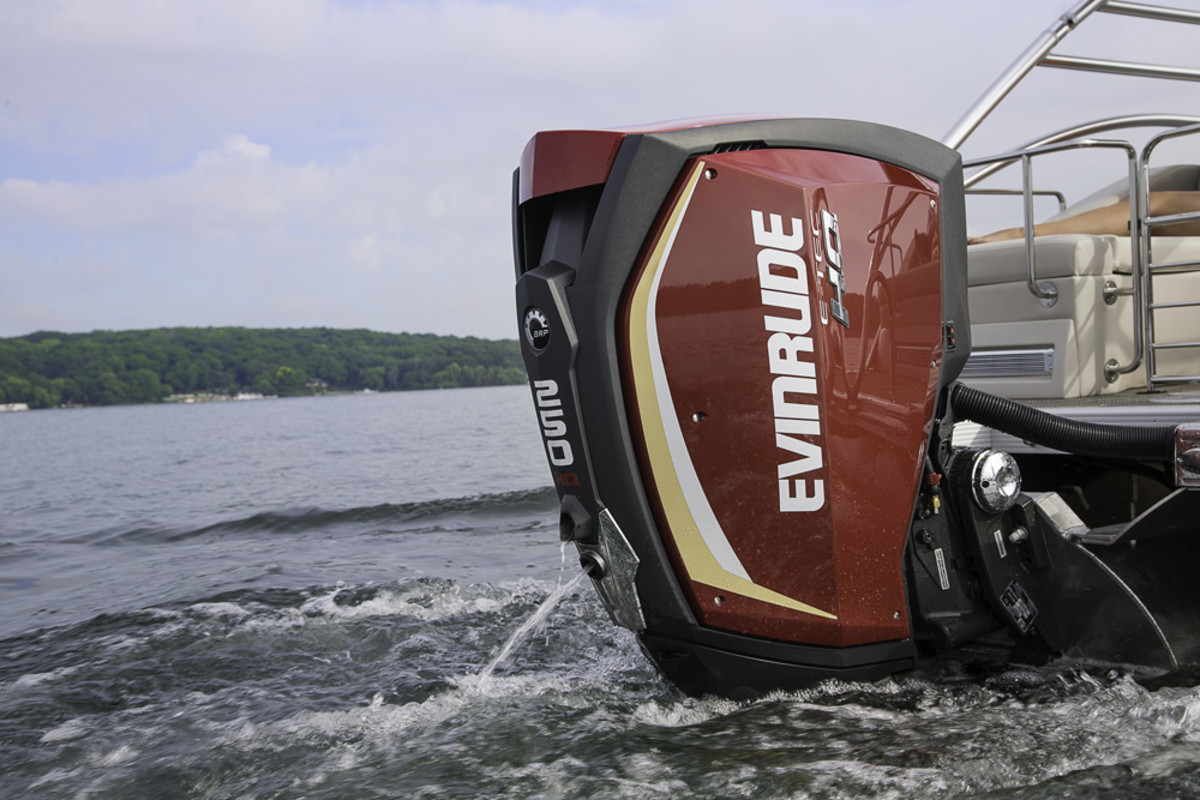An Evinrude E-TEC G2 engine is shown on a Bennington pontoon boat.