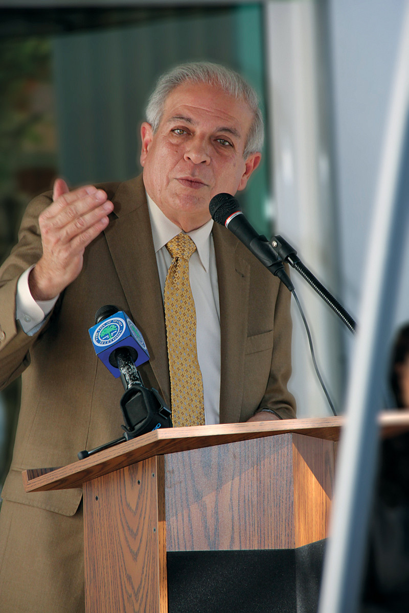 Miami Mayor Tomás Regalado