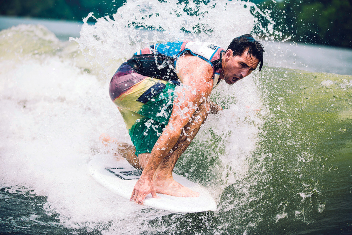 Country music star Jake Owen, owner of a 2015 Malibu Wakesetter 23 LSV, enjoys wakeboarding, fishing and just being on the water. He says his passion for the water makes his promotional work for Discover Boating a labor of love.