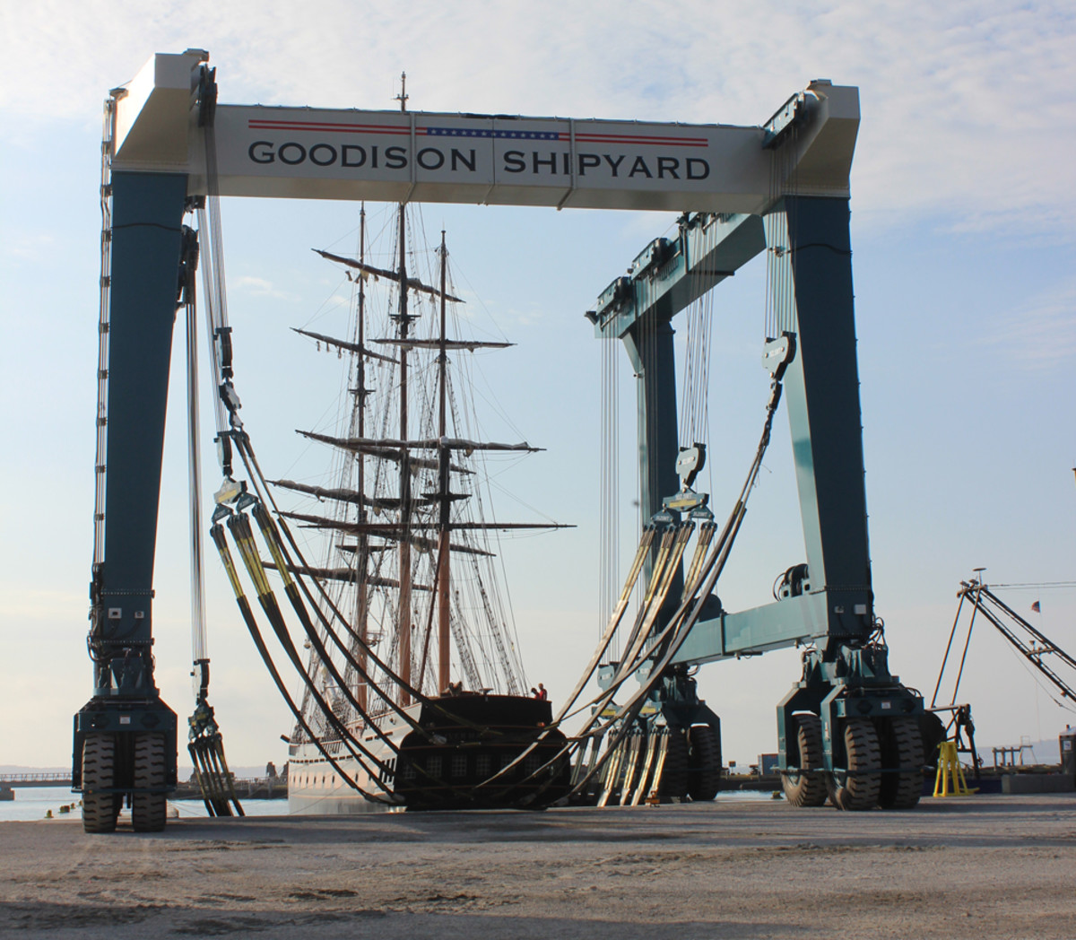 Marine Travelift said the 820-metric-ton-capacity machine is now the largest boat hoist in the Northeast.