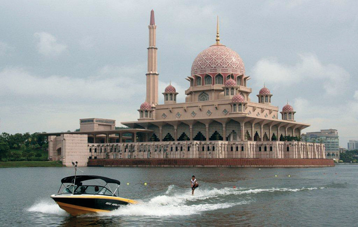 The brand's global reach includes the Nautique Asian Championships, held in Malaysia.