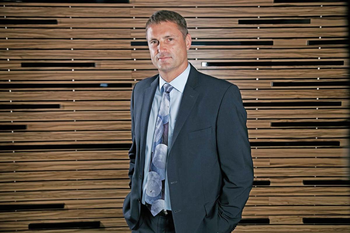 CEO Phil Popham.