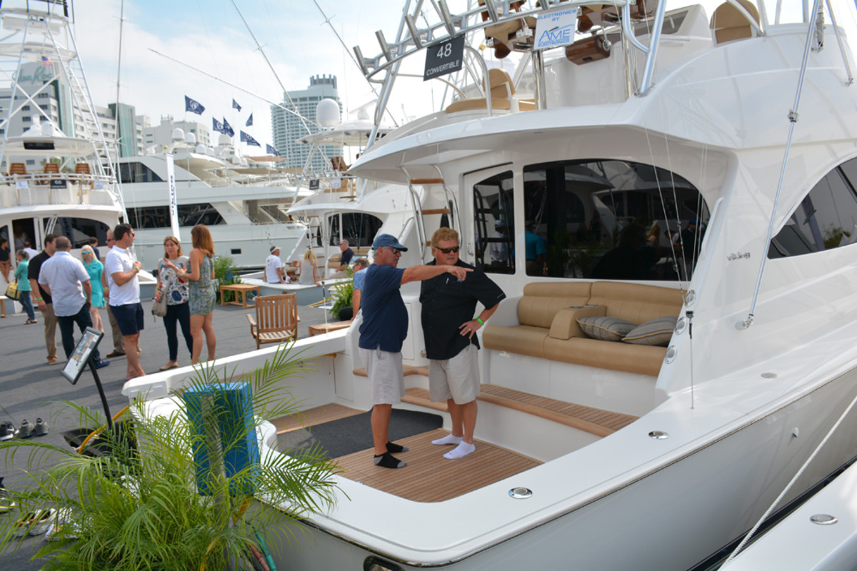 yachts_stern
