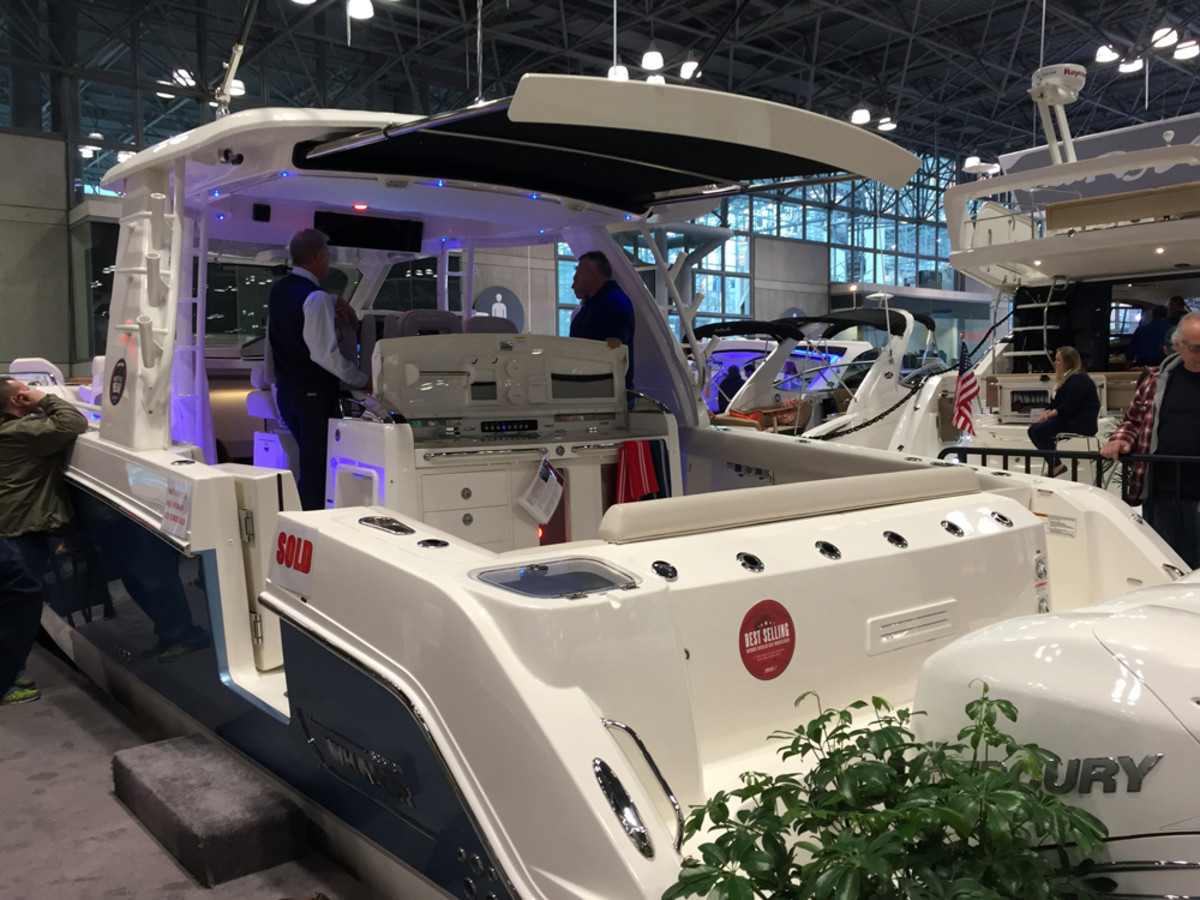Sea Ray Boat >> New York Boat Show sees steady crowds - Trade Only Today