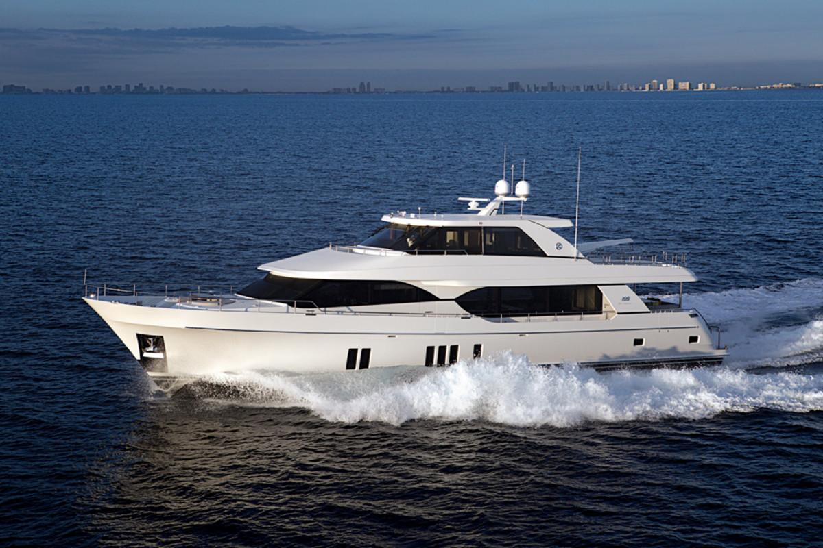 100 Foot Yacht >> Ocean Alexander Debuts 100 Foot Yacht At Flibs Trade Only
