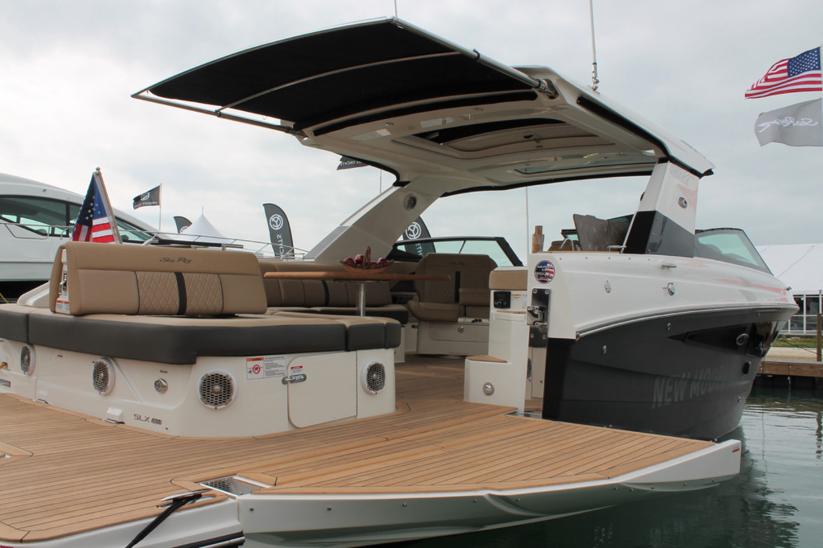 The 400 SLX was among the Sea Ray models at the show equipped with a SunShade system.