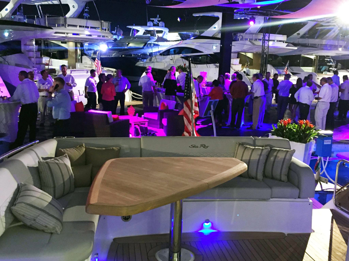 Design Miami Vip 2017: MIAMI 2017: Sea Ray debuts L550 to VIP audience - Trade Only Todayrh:tradeonlytoday.com,Design