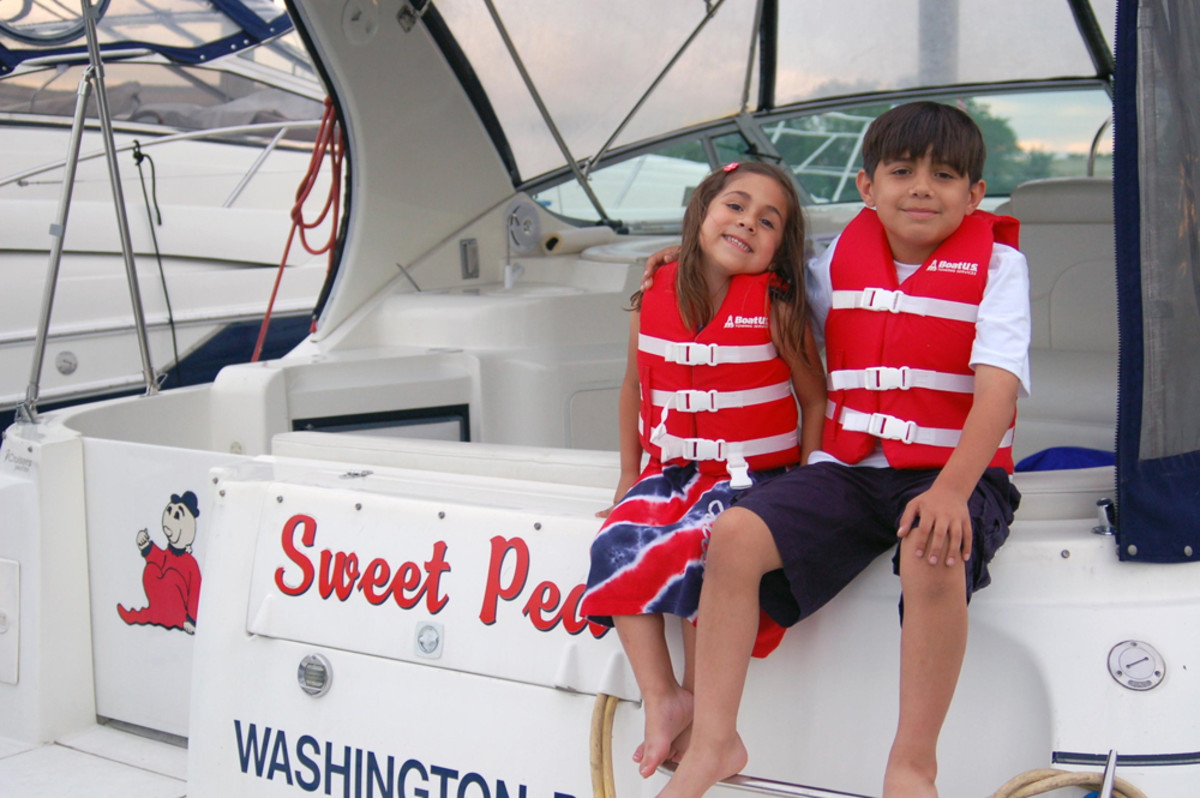 The BoatUS Foundation life jacket loaner program helps children get properly sized life jackets.