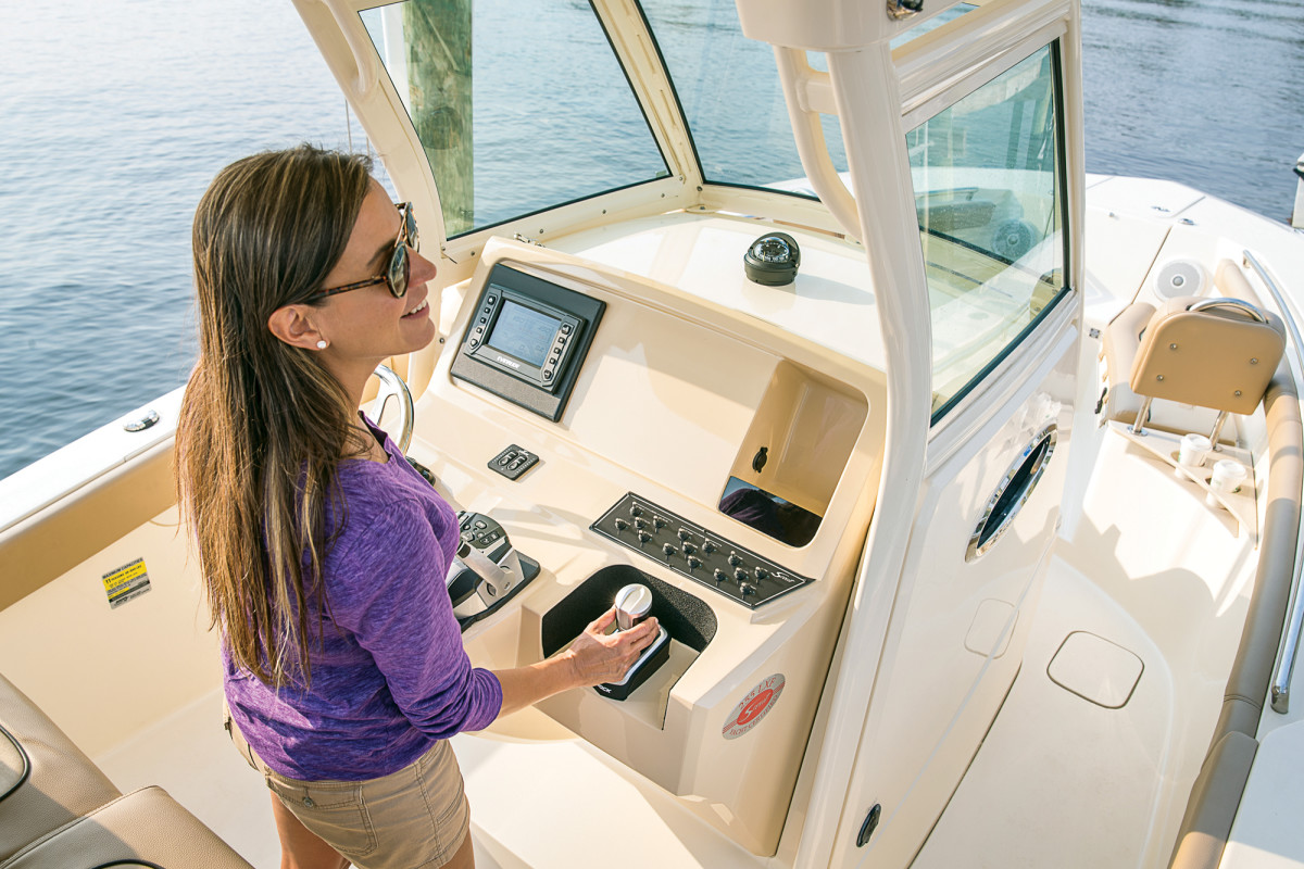Evinrude's iDock joystick piloting system puts difficult docking maneuvers at the ease of a boat operator's fingertips.