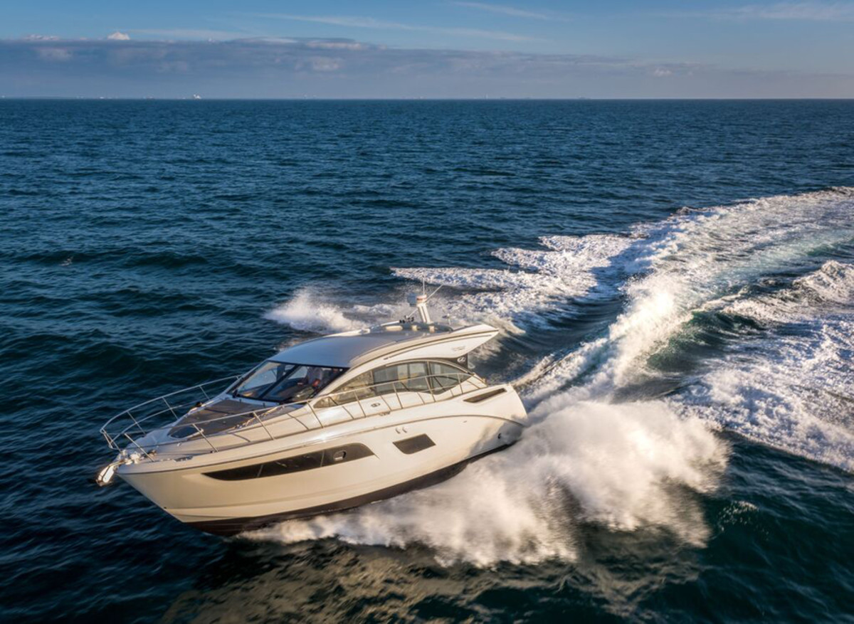 Sea Ray will debut its new 40-foot 400 Sundancer to European buyers in January at the Dusseldorf International Boat Show.