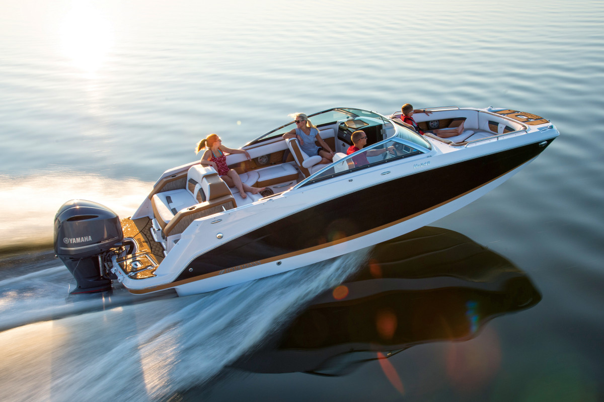 With a single outboard, the Four Winns HD 240 OB has solid performance and plenty of space for passengers.