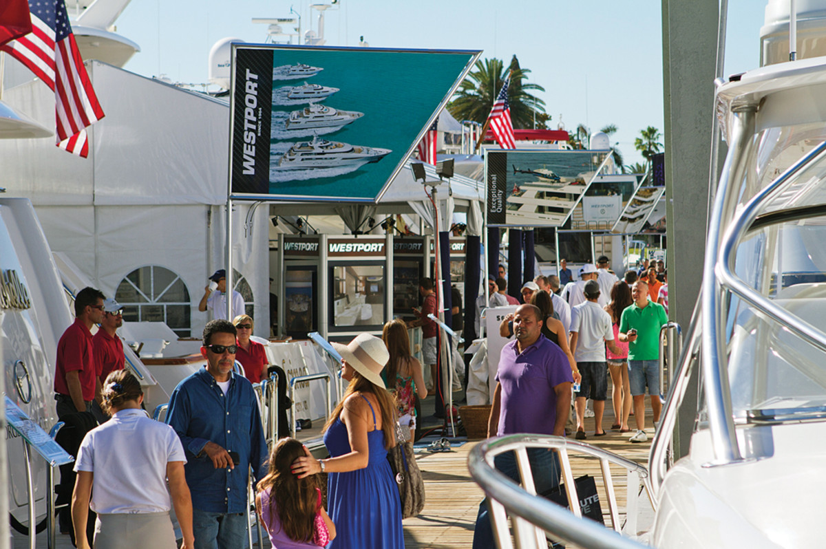 "The Florida weather brings out the crowds, and Yacht & Brokerage show organizers hope to ride the momentum of the past few shows. ""Everybody wants more space, which is a good sign,"" says Show Management's Steve Sheer."