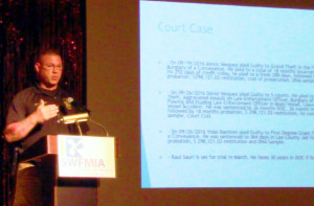 Officer Tim Galloway addresses the forum.