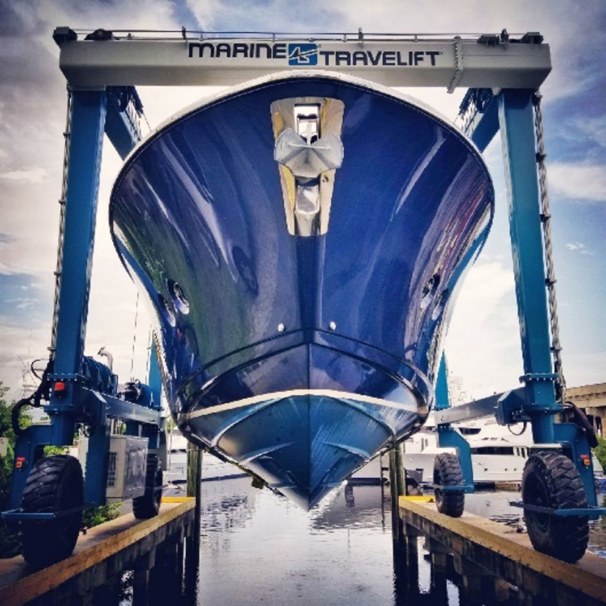 The new mobile boat hoist gives Marina Mile Yachting Center an extra 5 metric tons of lifting capacity.