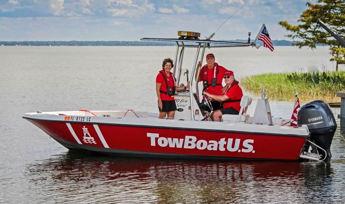 TowBoat on Lake Harris photo