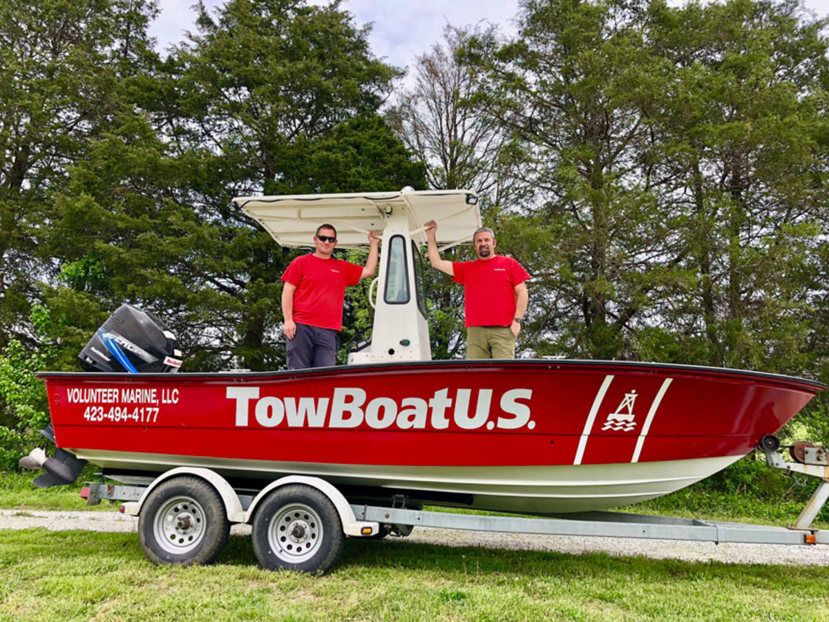 (L-R) Captains Robert Dial and Durand Carmany, new owners of TowBoatUS Norris Lake.