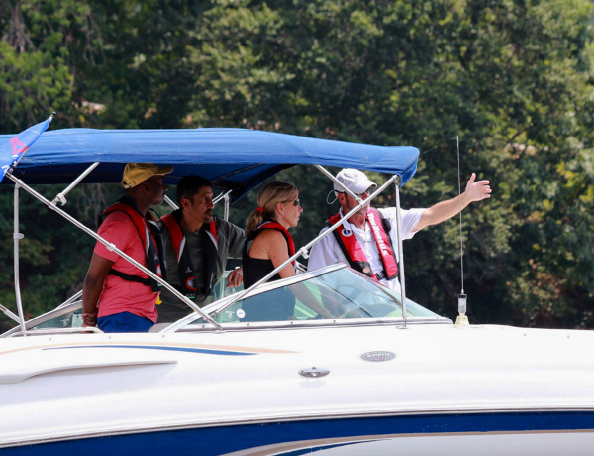 The on-water courses give students hands-on training aboard single- and twin-engine boats.
