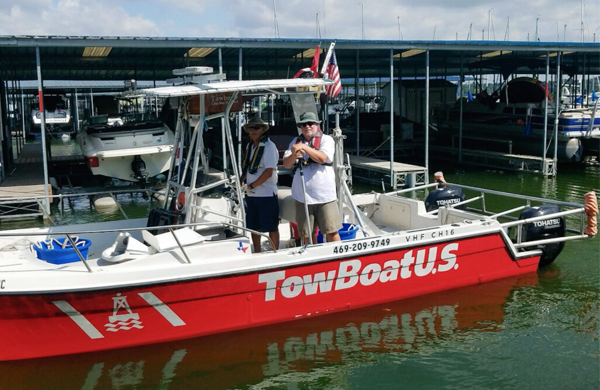 Capt. Scott Self (left) and Capt. Erik Oistad are assisting boaters on Lake Ray Hubbard.