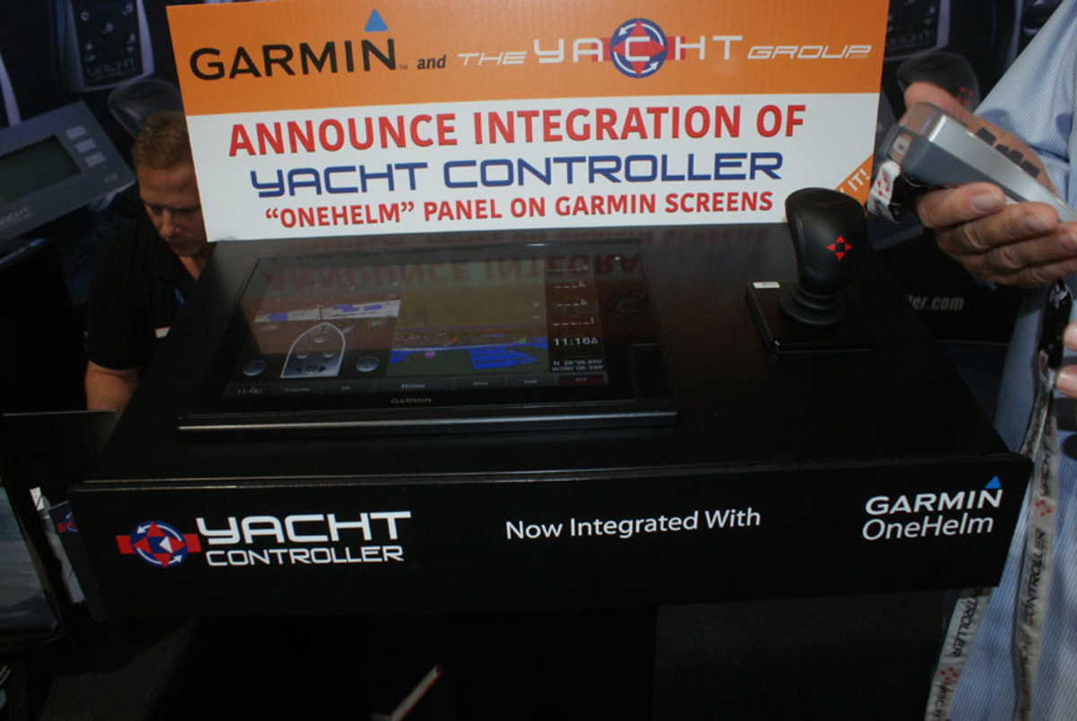The Yacht Controller is now integrated on Garmin displays.