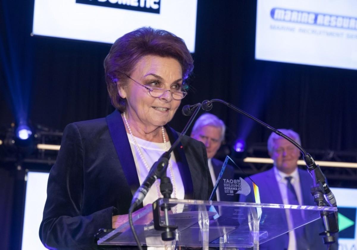 Annette Roux accepts the lifetime achievement award.