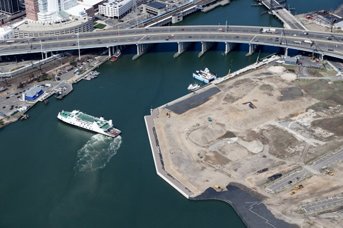 RACE Coastal Engineering was recognized by the American Council of Engineering Companies for its design of the Steelpointe Harbor waterfront project in Bridgeport, Conn.
