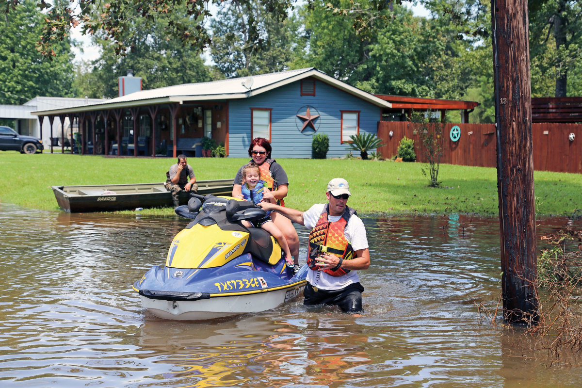 Alaska and California Air National Guardsmen performed water rescue missions in Vidor, Texas.