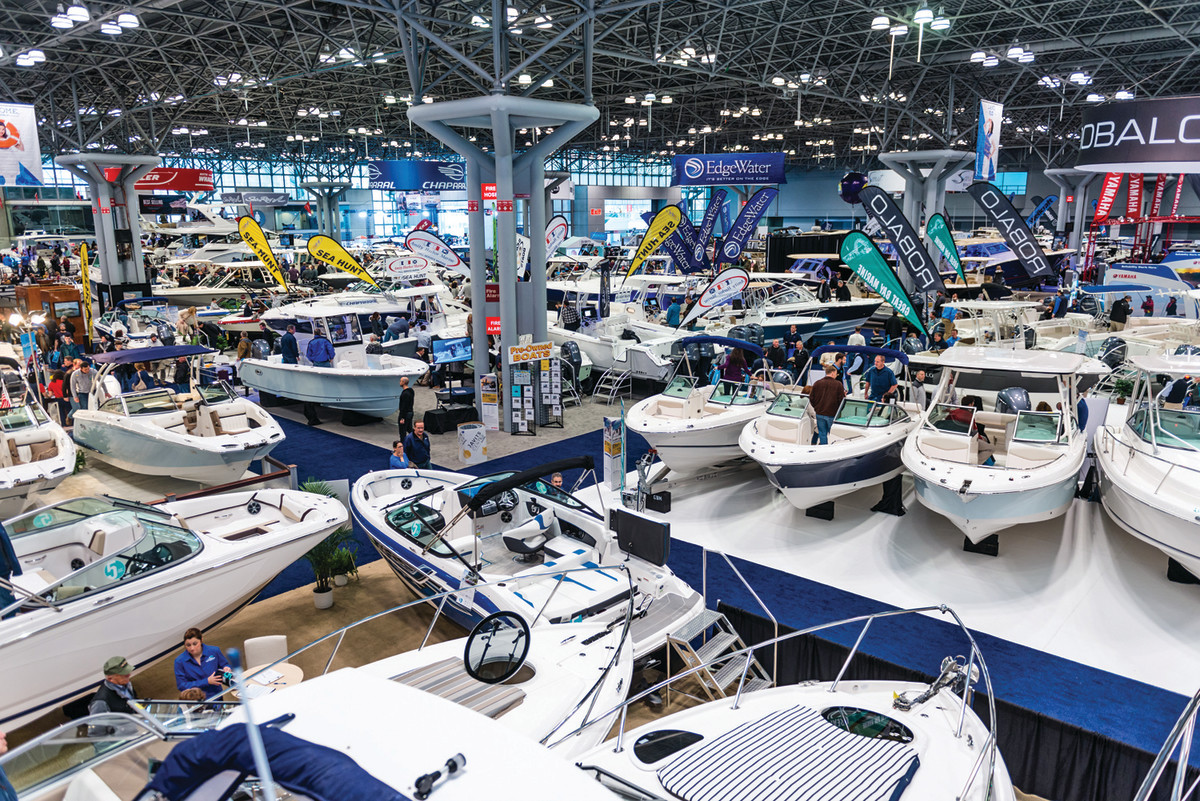 The fall and winter boat shows should benefit from consumers' willingness to spend.