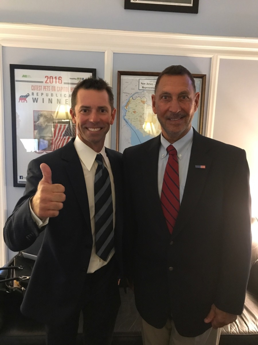 Photo of Michael Iaconelli and U.S. Rep. Frank LoBiondo (R-N.J.)
