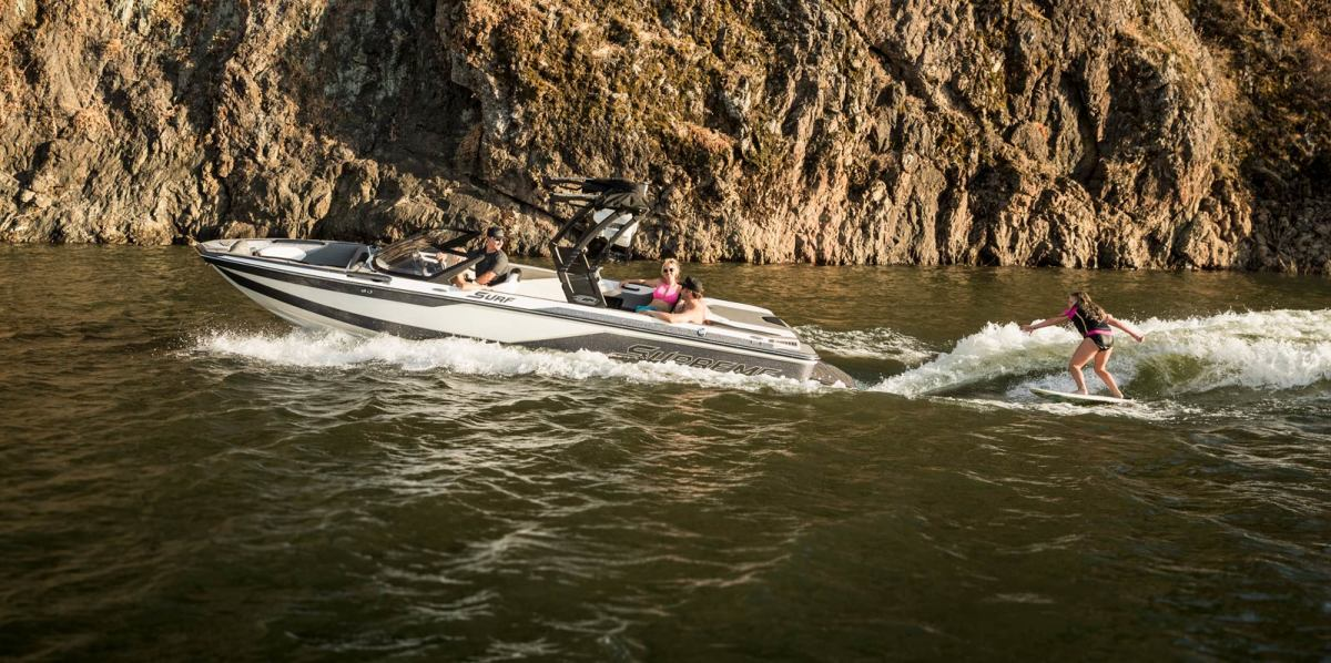 The Supreme Boats S224 is designed to be able to carry a crowd and still be easily trailered.