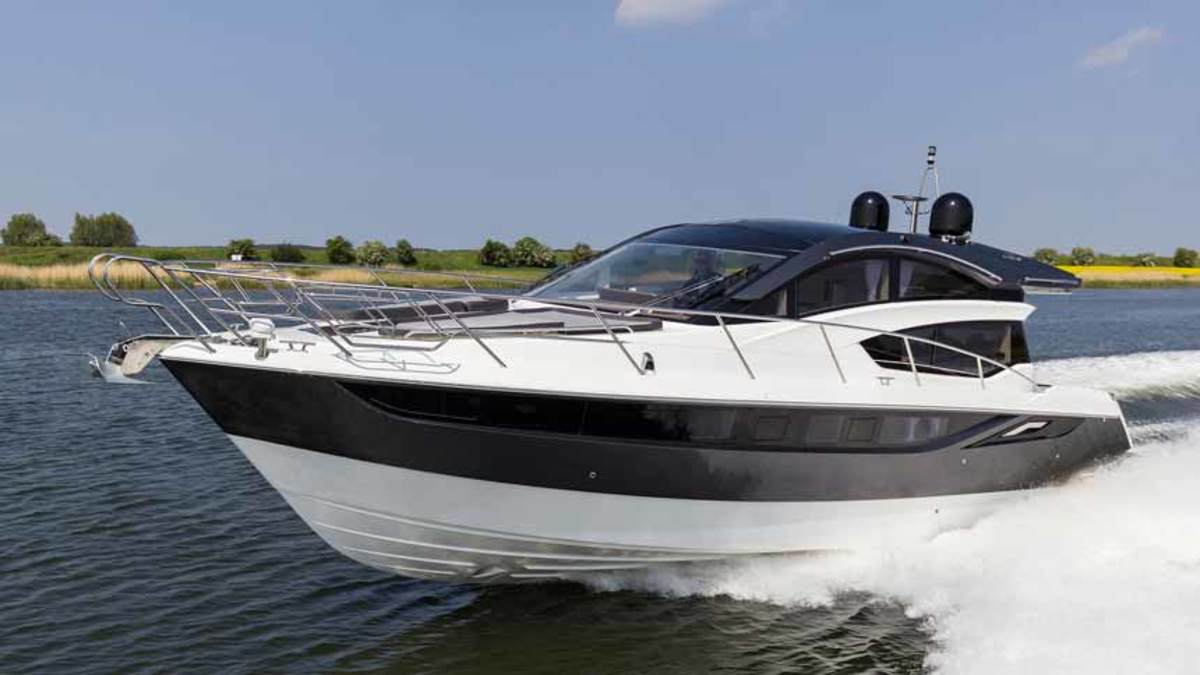 Galeon will present the 430 HTC and four other new models at FLIBS.