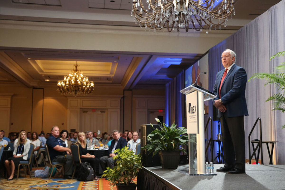 Rowe addresses the crowd at the annual industry breakfast at IBEX after being inducted into the NMMA Hall of Fame.