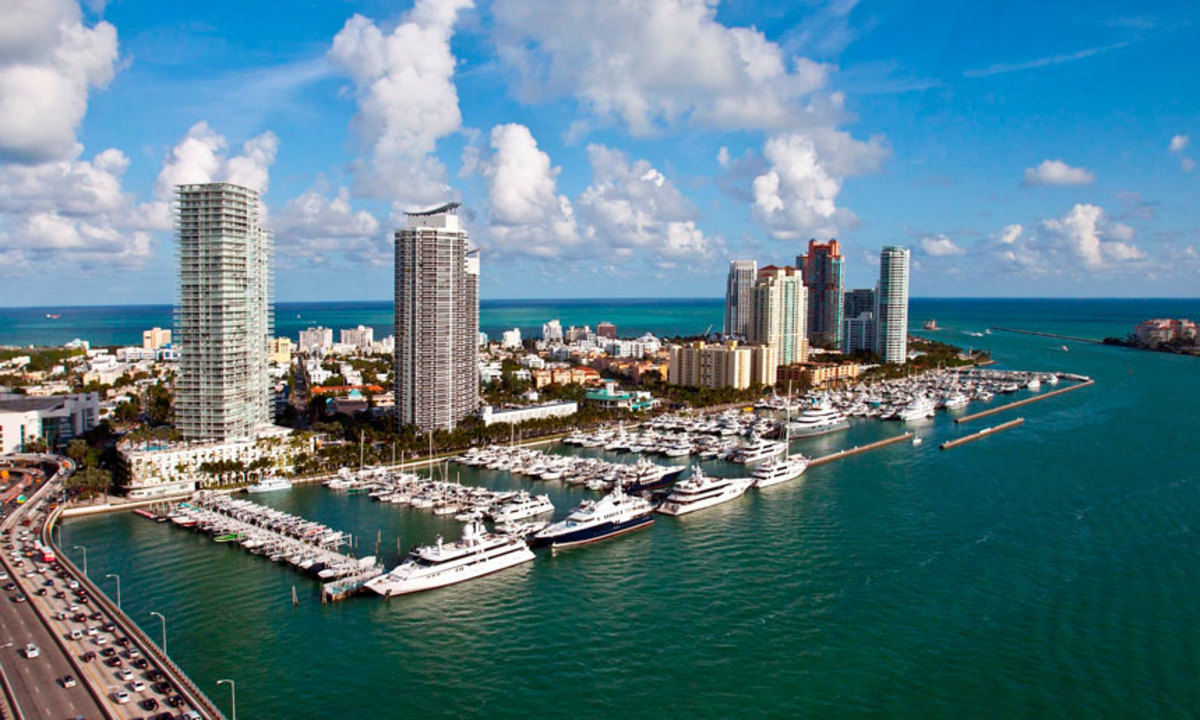 Miami Beach Marina has 400 slips and dockage for boats as large as 250 feet.