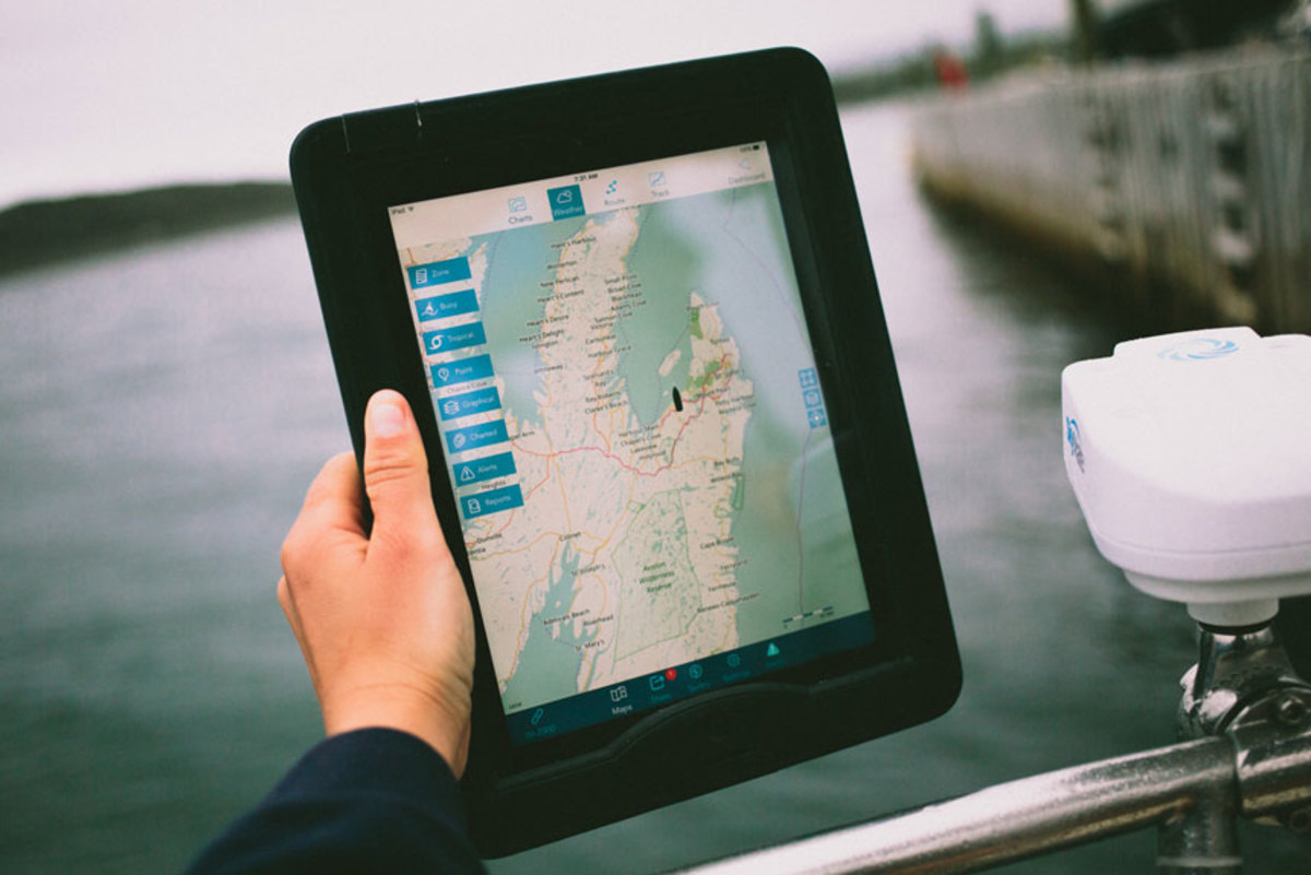 Mazu can now use Navionics charts on an iPad.