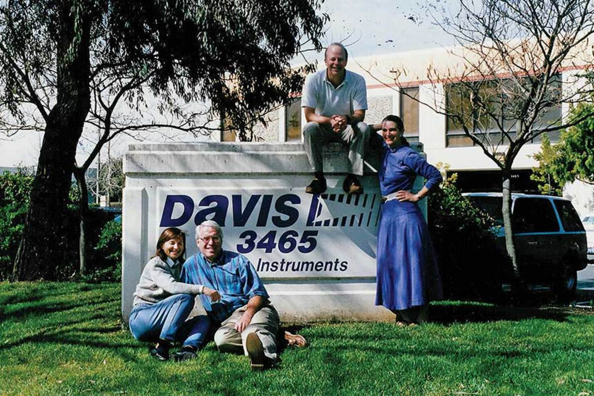 Davis-1999-Front-Lawn