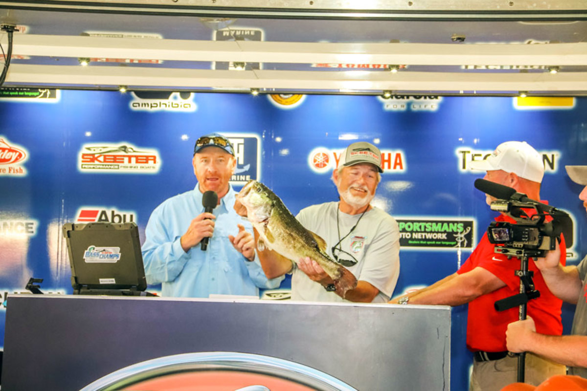 Tim Wilcoxson won Skeeter's grand prize for his 9.65-pound bass.