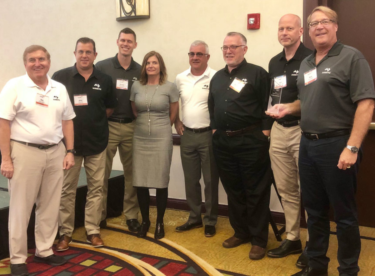 NMDA presenters and the team from SeaStar Solutions, which won Supplier of the Year Award in the Diamond category.