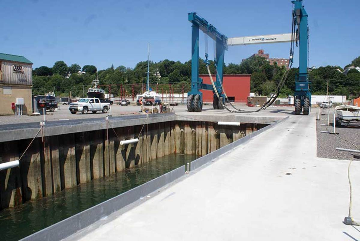 The yard now has the capacity to haul commercial ferries and recreational catamarans with 42-foot beams.
