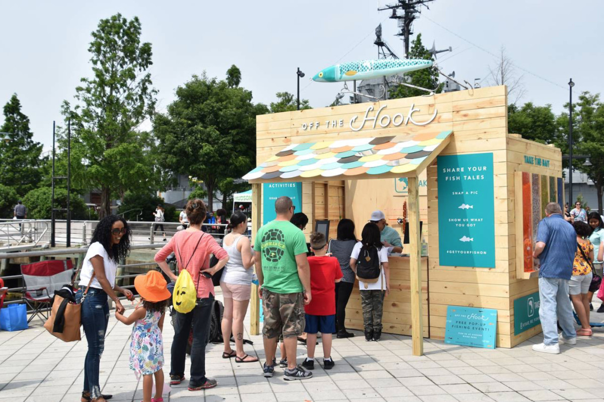 An 'Off the Hook' pop-up stand in Hudson River Park, New York, June 2019. Photo: RBFF