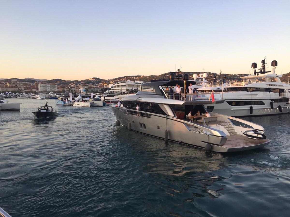 Motoryachts in Le Port Vieux
