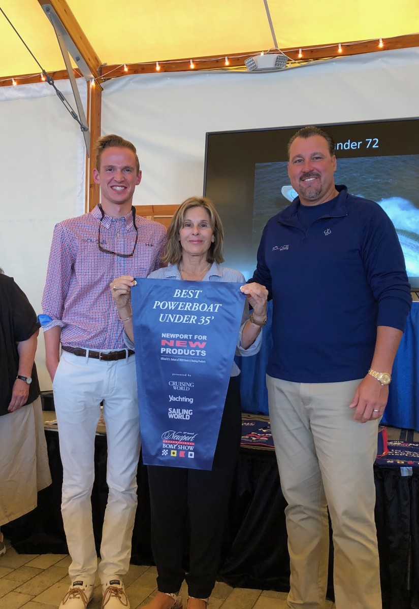 Show director Nancy Piffard presented Sōlace the award for Best Power boat under 35 feet and Best Powerboat Overall.