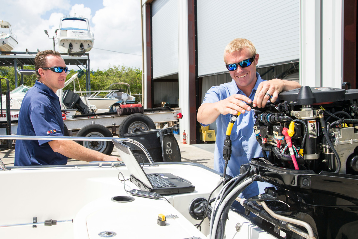 MarineMax repair facilities can now help BoatUS members get back on the water after an insurance claim.