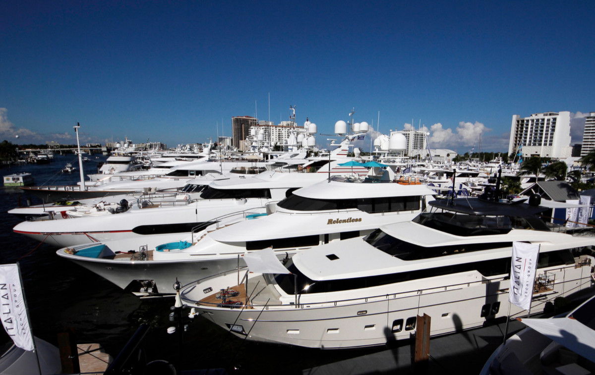 Several brokers and dealers reported strong sales at FLIBS.