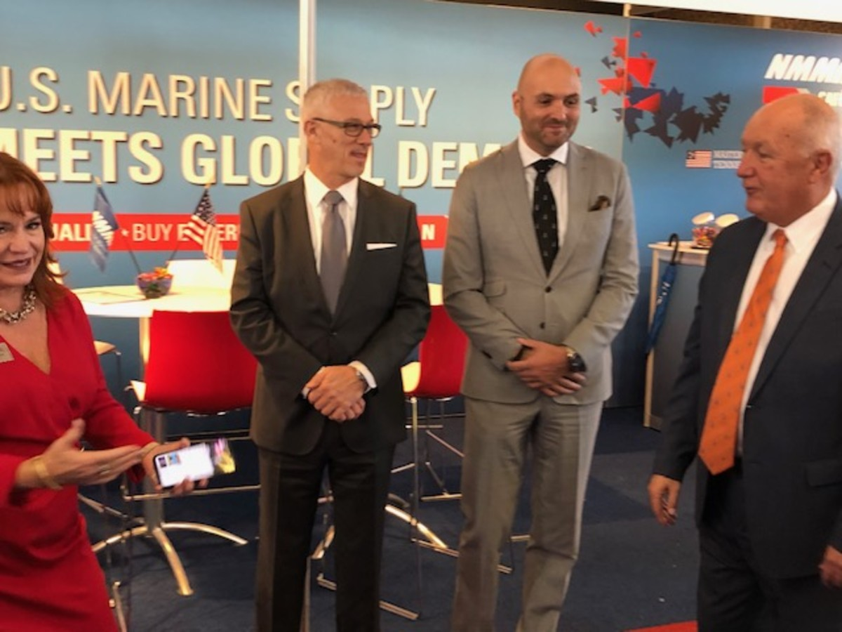 From Left: USSA President Kitty McGowan, NMMA President Frank Hugelmeyer, Bas Dalm, Rai Executive Vice President of Sales, and US Ambassador to the Netherlands Pete Hoekstra.