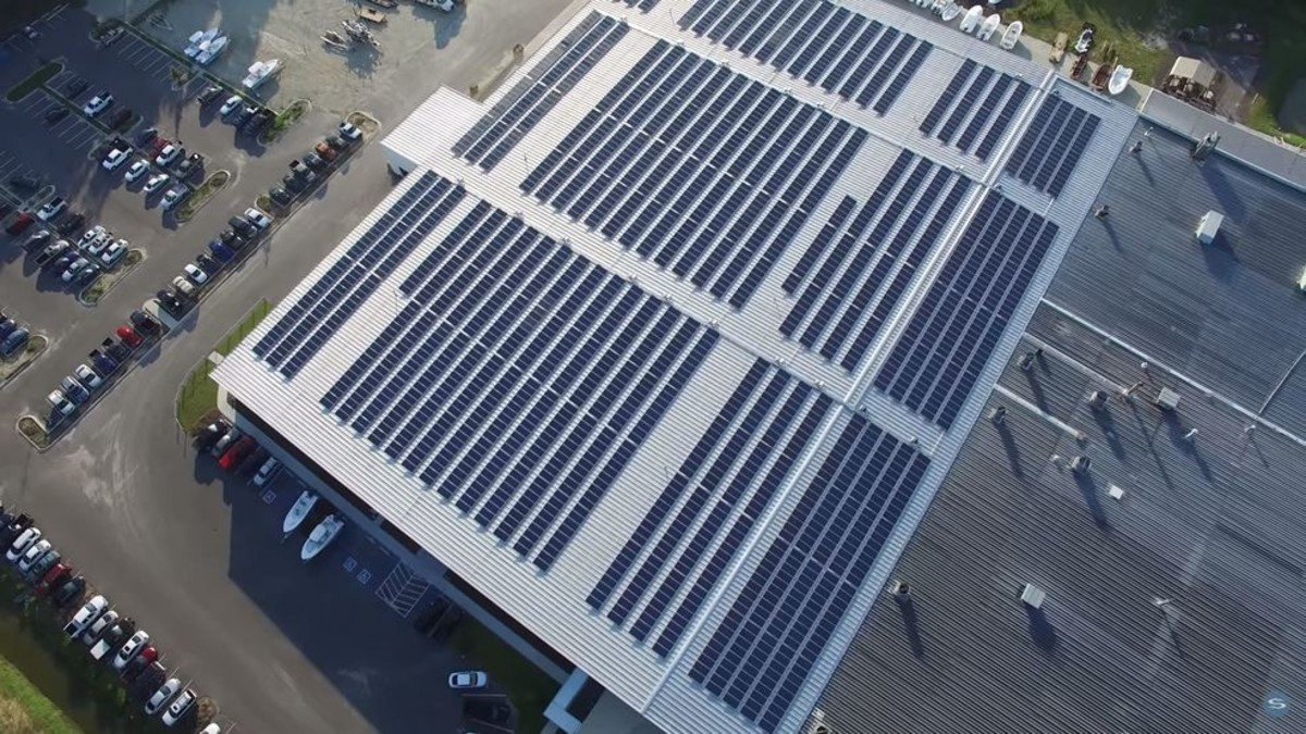 The roof of the Sportsman Boats factory with its solar array.