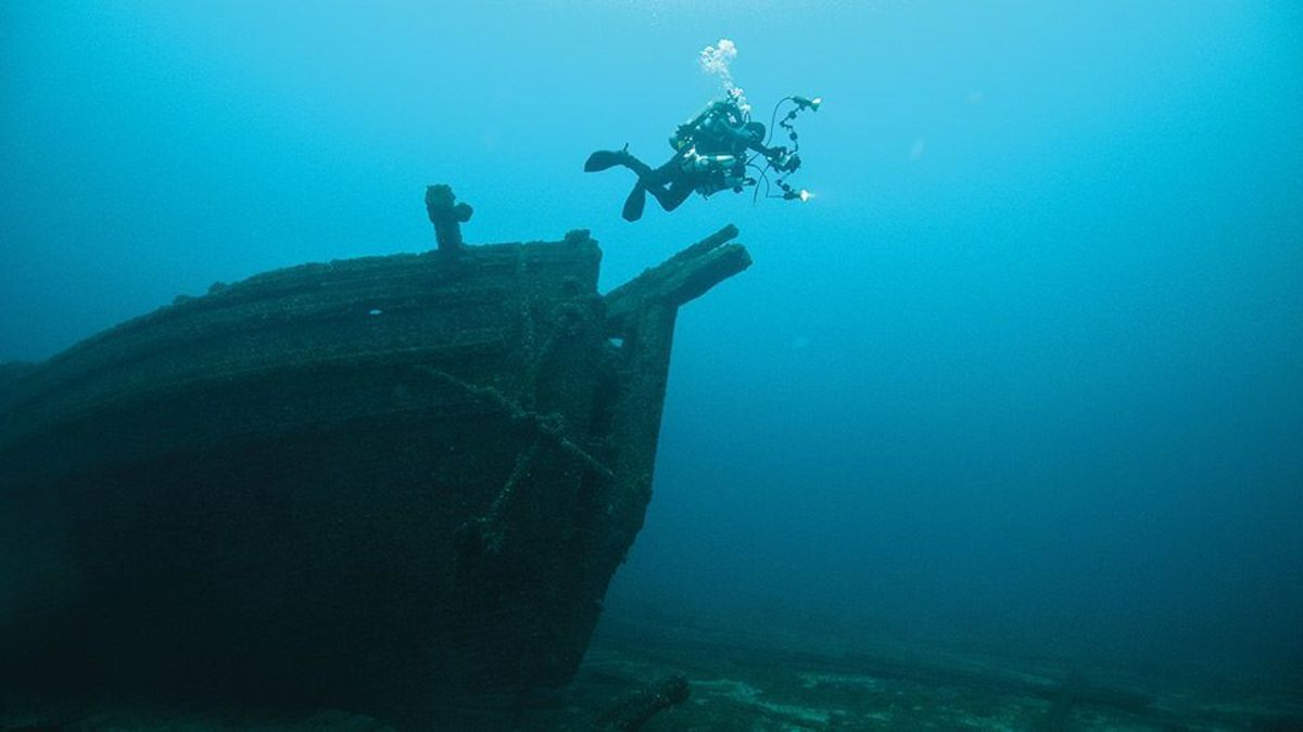 Thunder Bay National Marine Sanctuary attracts divers from around the world.