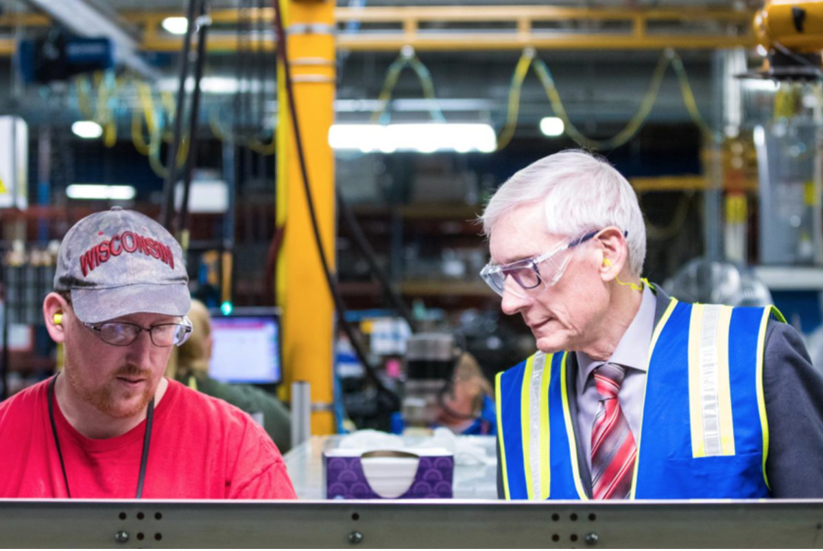 Wisconsin Gov. Tony Evers visited with Mercury workers this week. Photo courtesy of NMMA