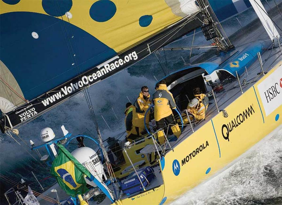 Frostad competed in four round-the-world races, including his last aboard Brasil 1 in 2006.