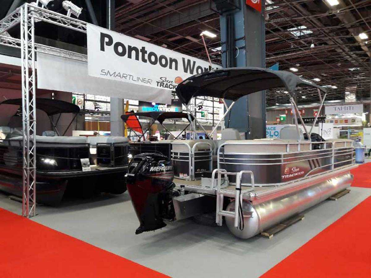 Pontoon World in France is introducing the American pontoon to a very traditional boating market.